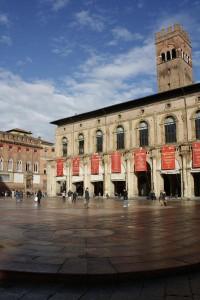Piazza Maggiore de Bolonia. (Foto Flickr de kiki follettosa )