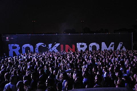 Programa de conciertos del Rock in Roma 2011.