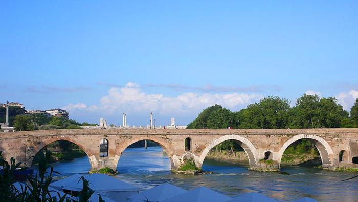 Vista del Ponte Milvio