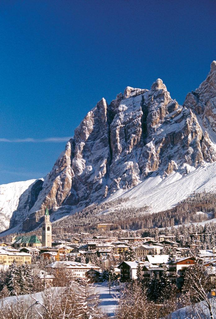 Cortina d'Ampezzo entre los Dolomitas