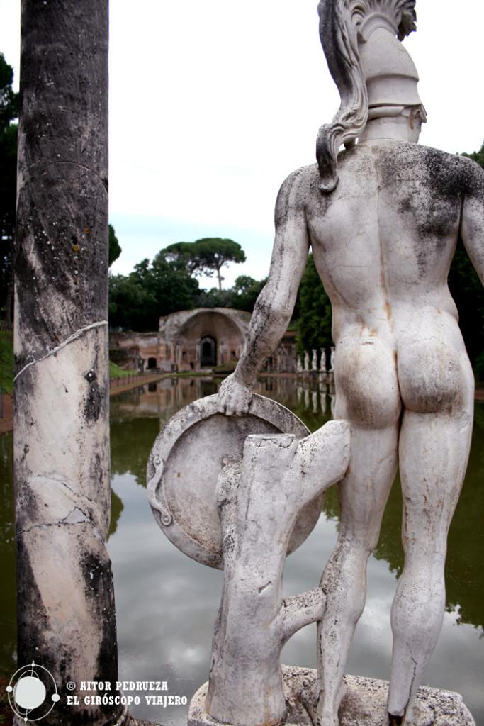 Estatua en el Canopo de Villa Adriana