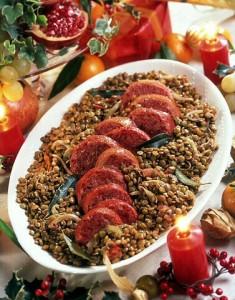 Plato típico de la Nochevieja italiana: Lentejas con cotechino