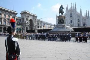 Ceremonia en la Piazza del Duomo de Milano, celebrando la Fiesta de la República (foto Flickr de Giuseppe Nicoloro )
