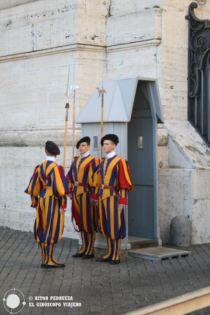 Cambio de la Guardia Suiza en el Vaticano