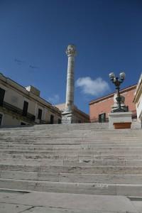 Torre romana en el paseo marítimo de Bríndisi