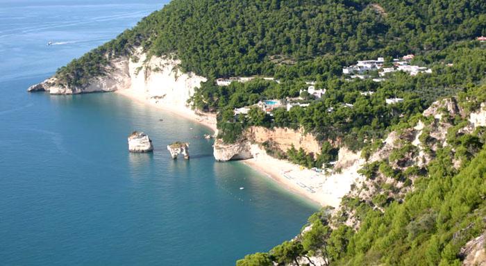 Vista de las playas de Baia delle Zagare