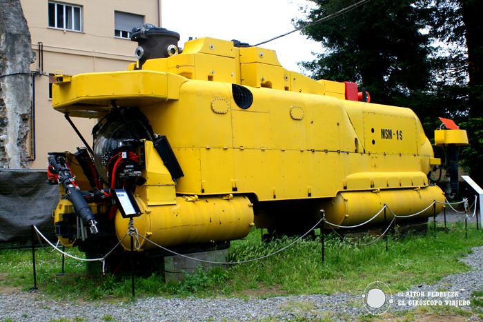 Submarino de investigación en el Museo Naval