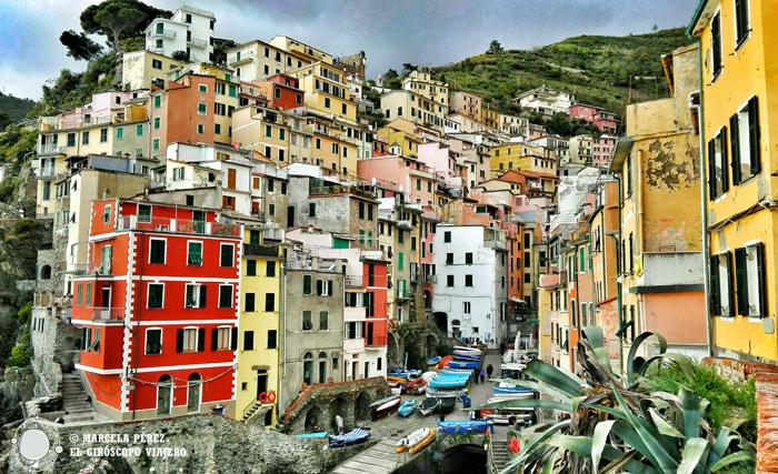 Puerto de Riomaggiore en Cinque Terre