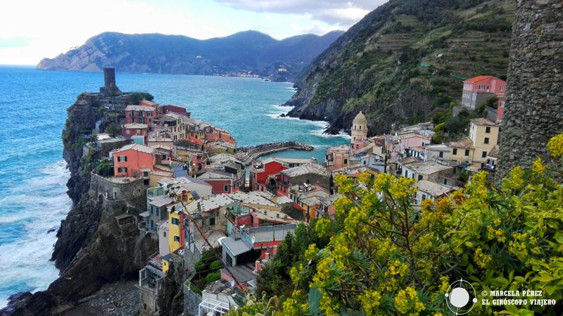Vernazza desde el camino que conduce a Corniglia