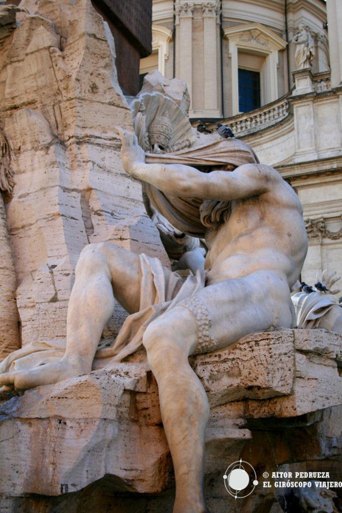 África representada con un velo en la escultura de Bernini de la Fuente de los cuatro ríos