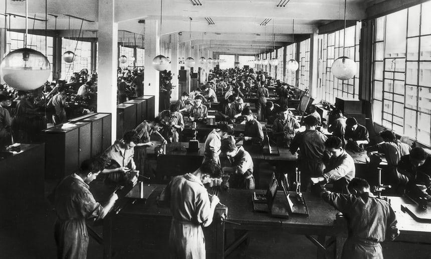 Trabajadores en la antigua fábrica Olivetti de Ivrea