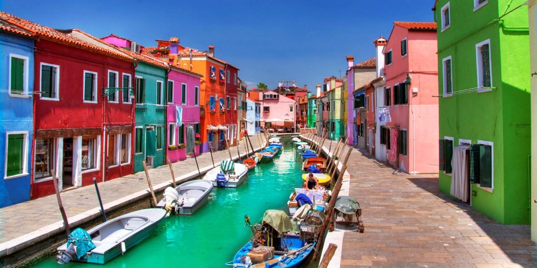 Casas de las isla de Burano que se visitan con el tour desde Venecia